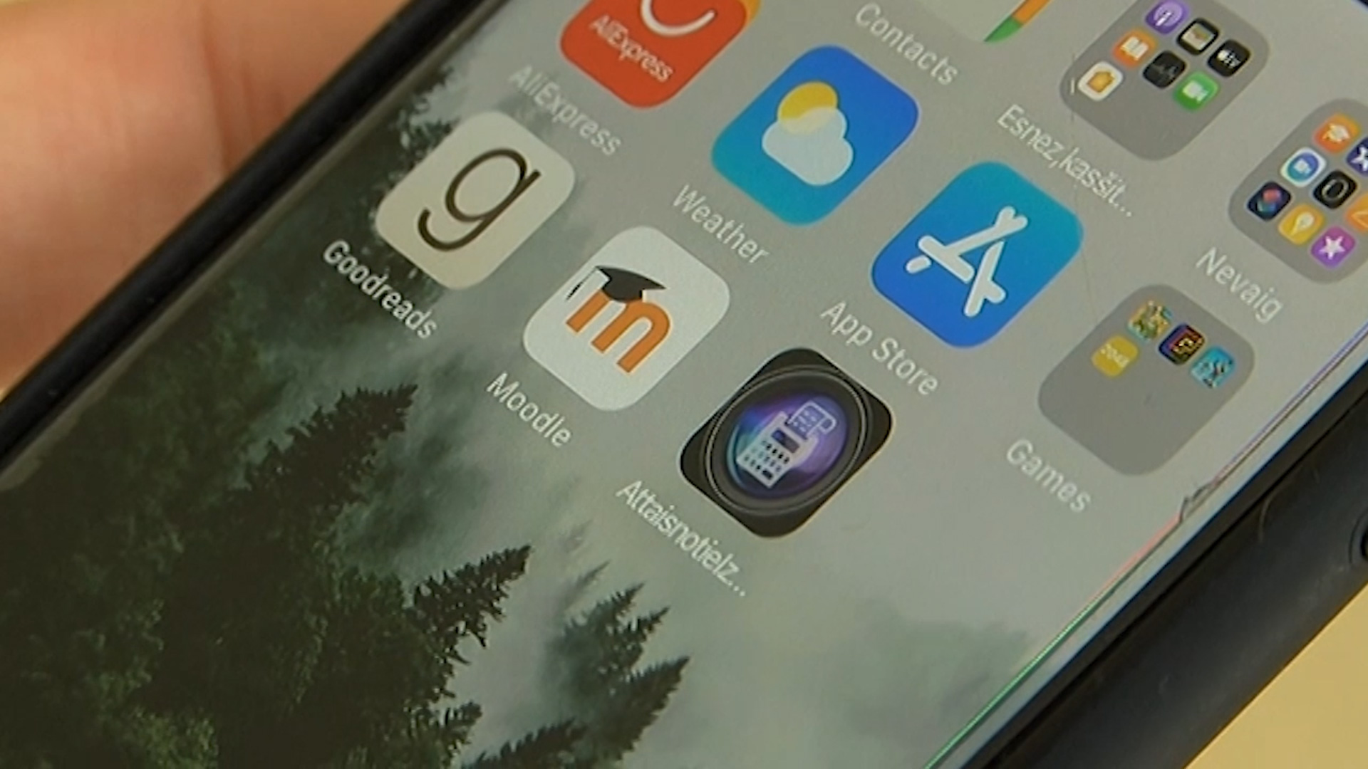 Par nodokļu maksātāju naudu valsts uztur desmitiem mobilo lietotņu