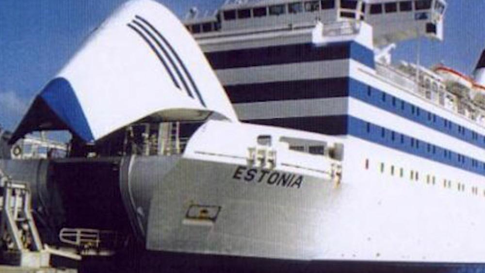 """Intervija ar """"Estonia"""" traģēdijā izdzīvojušo latvieti"""