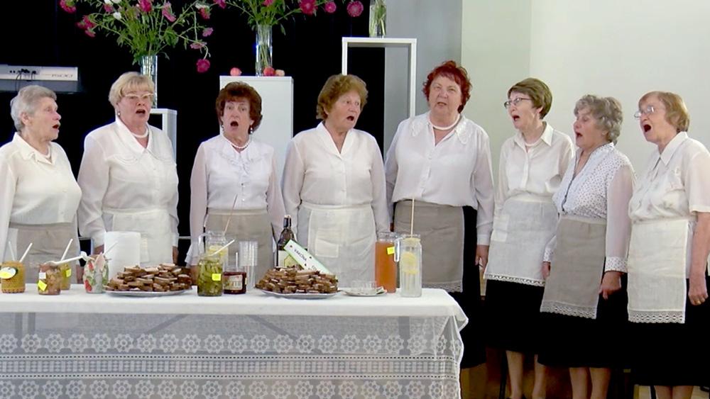 """Alūksnes pensionāriem ikgadējā """"Burciņu balle"""""""