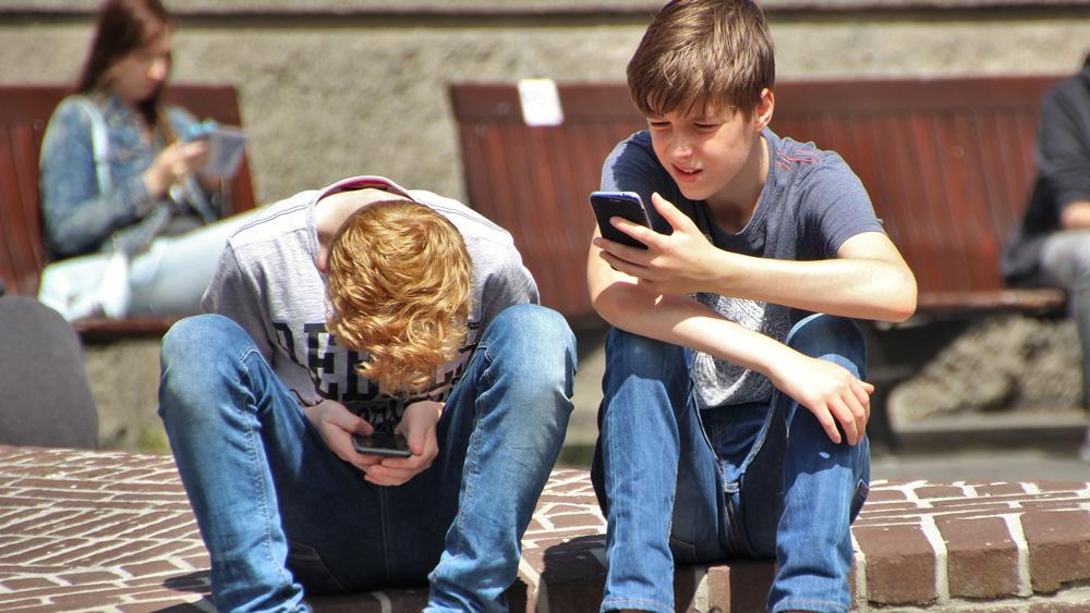 Latvijā aptuveni 16 000 bērnu nav reģistrēti nevienā izglītības iestādē