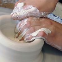 Bērzes ciemā top porcelāna trauki