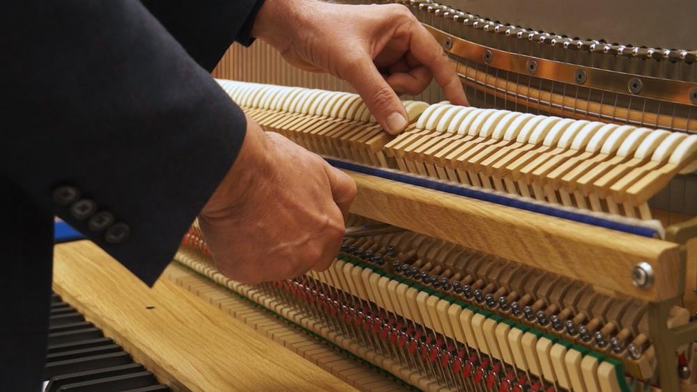 Pārceļ klavieru būvniecību uz Kuldīgu