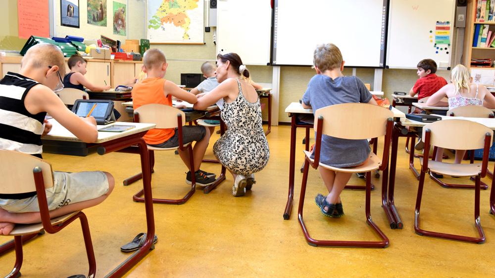 Rosina preventīvi testēt pedagogus, lai saglabātu klātienes mācības