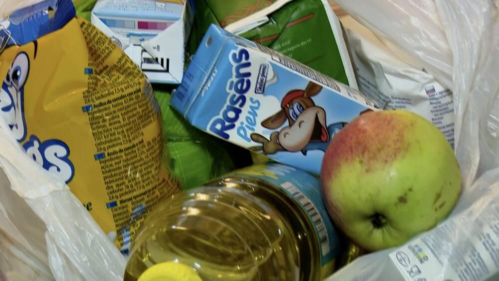 Cik vērtīgas ir skolēniem piedāvātās pārtikas pakas?