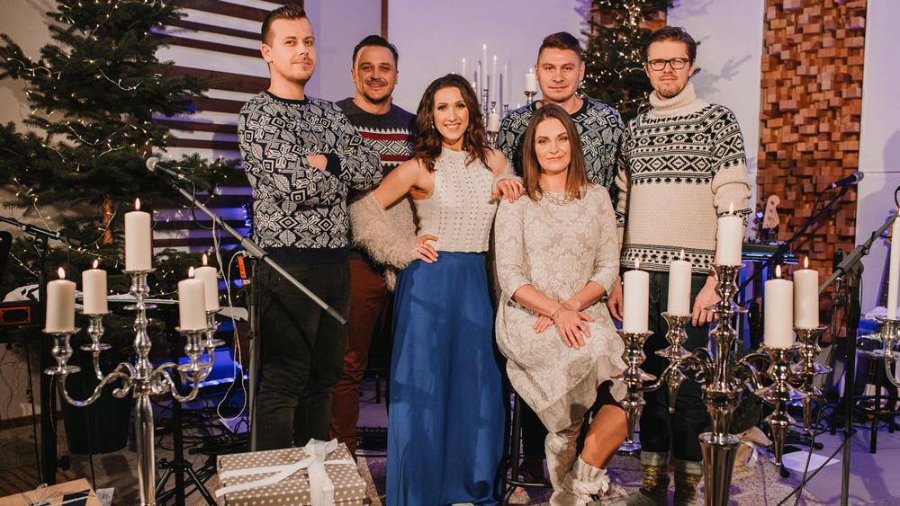 """Līga Rīdere un """"Gentleman's Orchestra"""" Ziemassvētkos koncertēs ReTV"""