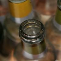 Alkoholiķiem pandēmijas laiks rada apgrūtinājumus mazināt atkarību