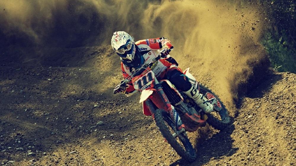 Jaunie motosporta censoņi – brāļi Lielbārži