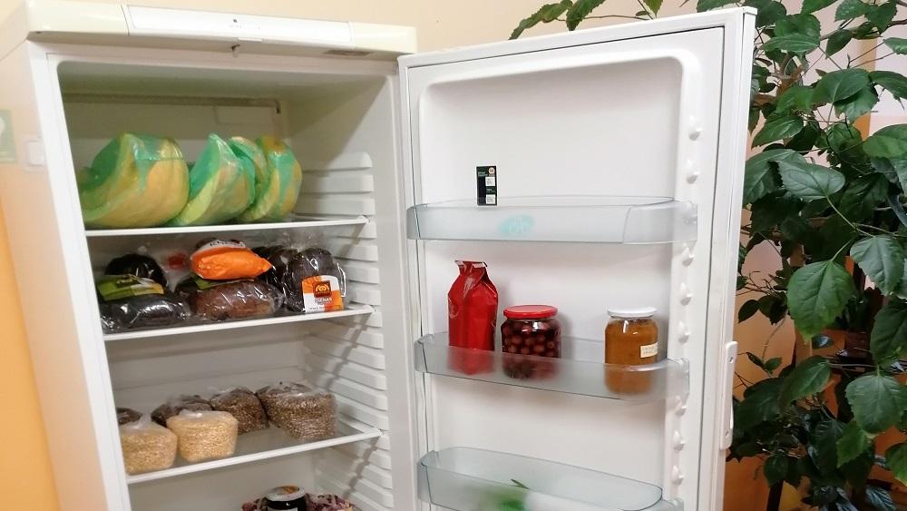 """""""Kopienas skapis"""" pārtikas apmaiņai - tagad arī Valmierā"""