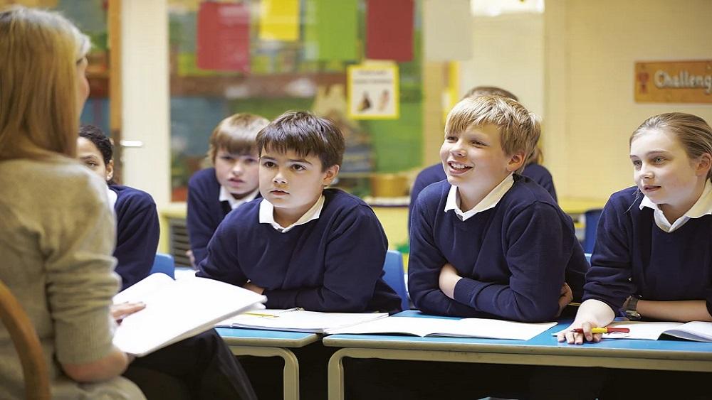 """Trūkst skolotāju - vai glābējzvans būs projekts """"Mācītspēks""""?"""