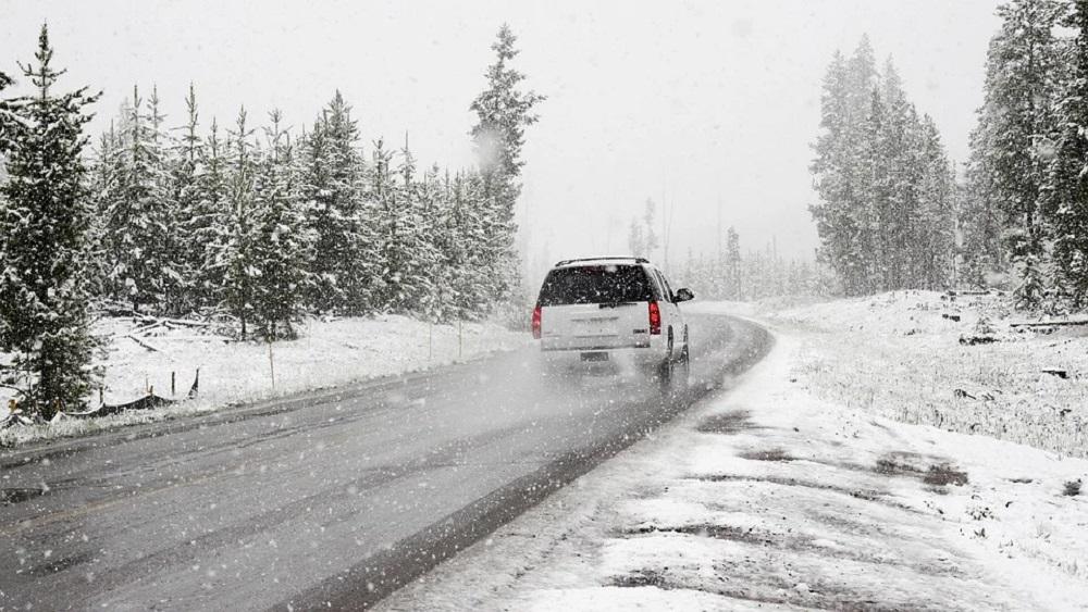 Sniega dēļ atkal daudz avāriju Vidzemē