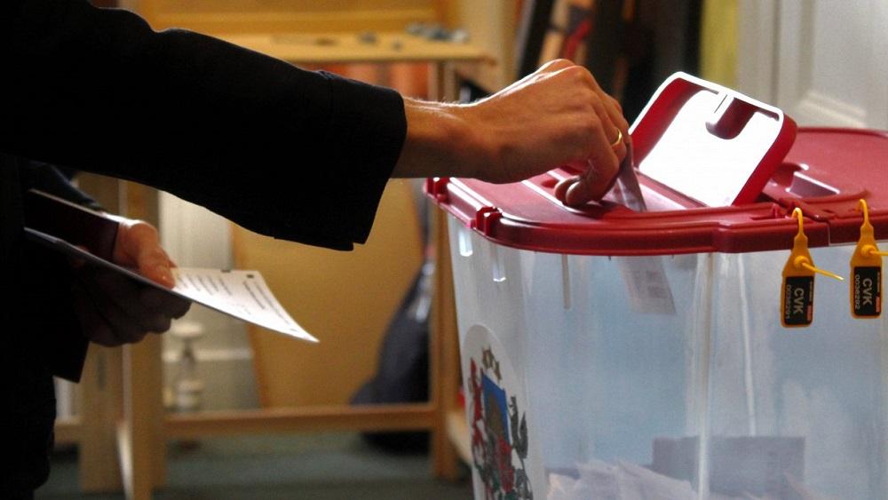 """Politologi: politiskais """"rasols"""" veicinās apjukumu pašvaldību vēlētājos"""