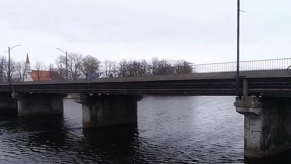 Salacgrīva par tilta remontu rīko iedzīvotāju neobjektīvu aptauju