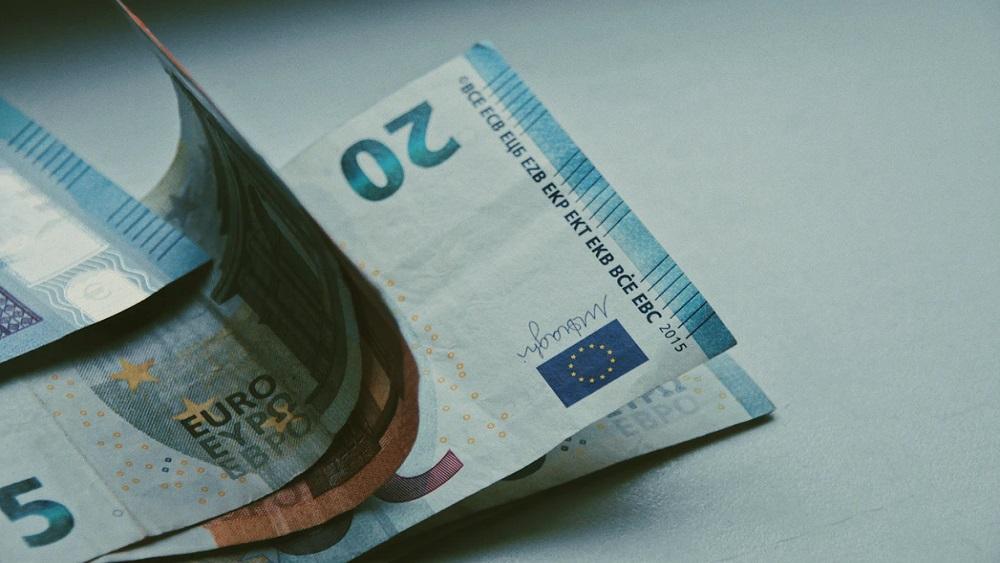 Bankas ir gatavas lielākai bērnu pabalstu izmaksai bankomātos