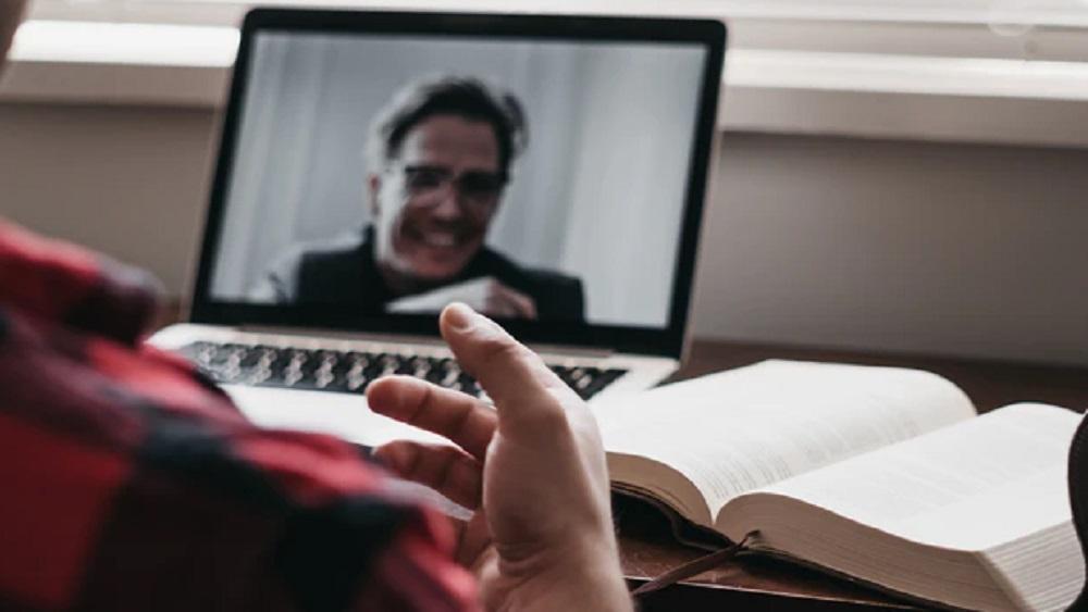 Manieres un etiķete tiešsaistes sarunās