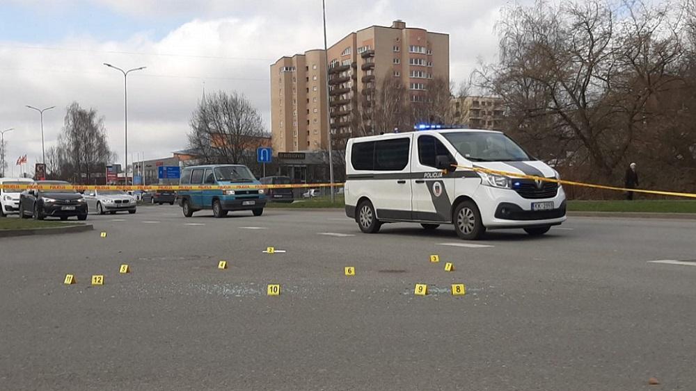 Rīgā nogalināts futbola aģents; policijas ekipāžas strādā visā valstī