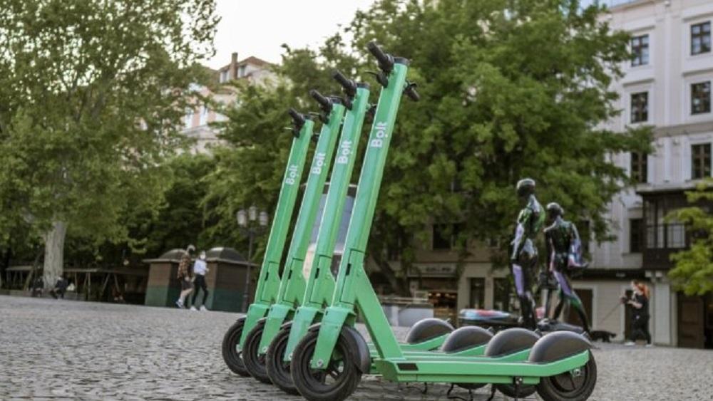 Likumā definē elektrisko skrejriteņu lietošanu satiksmē