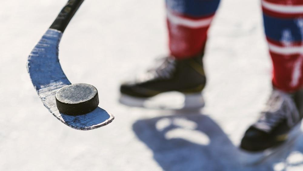 Politiskas cīņas par skatītājiem hokeja čempionātā