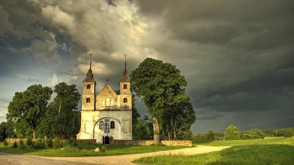 Restaurēts Lēnu baznīcas krucifikss