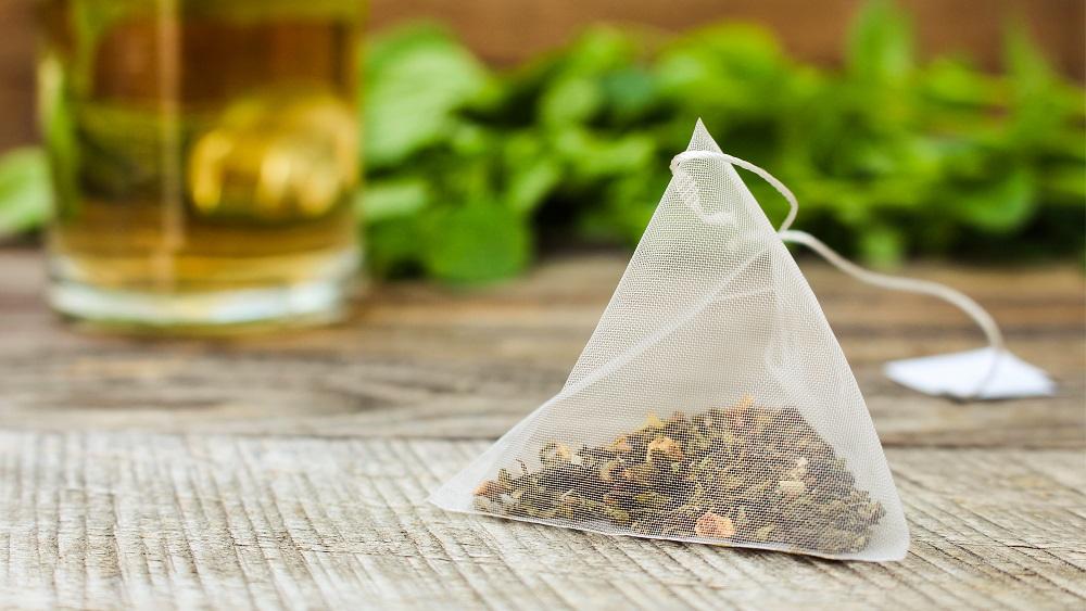 Ar tējas maisiņu ierakšanu zemē vēlas noskaidrot augsnes bioloģisko aktivitāti