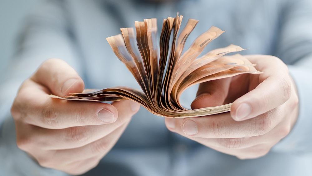 Pērn nebanku kredītos izsniegts pusmiljards eiro; bažas par spēju tos atmaksāt