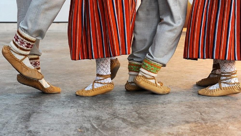 Top Kuldīgas dejotāju sveiciens Dziesmu un deju svētkos