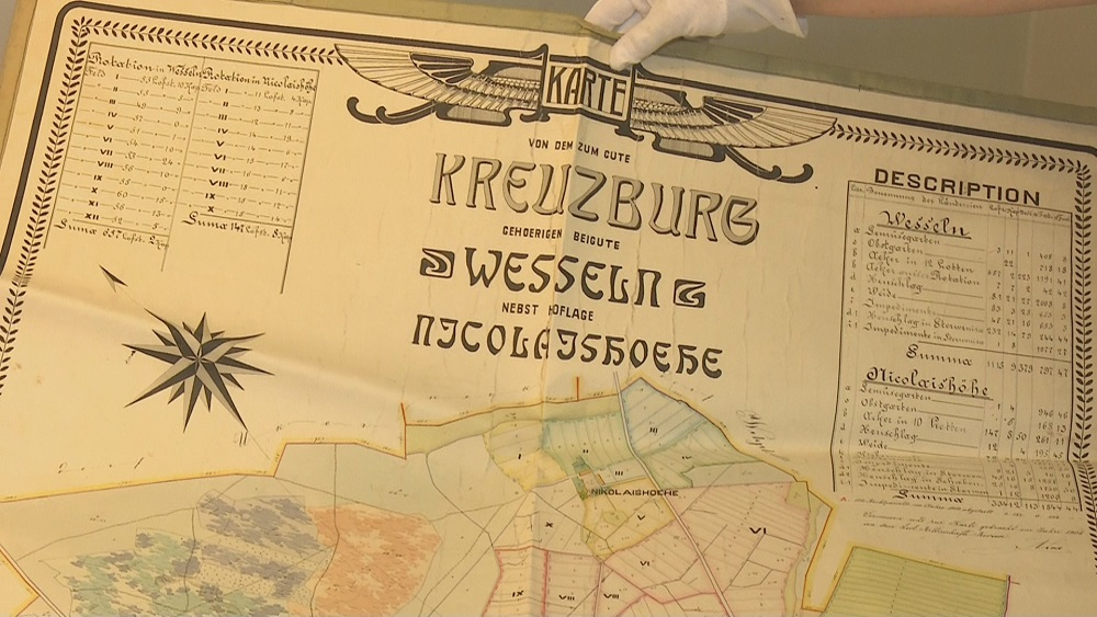 Krustpils pils saņem vērtīgu dāvinājumu no baronu fon Korfu radinieka