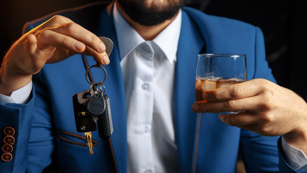 Lai cīnītos ar dzērājšoferiem, apsver arī kriminālatbildību