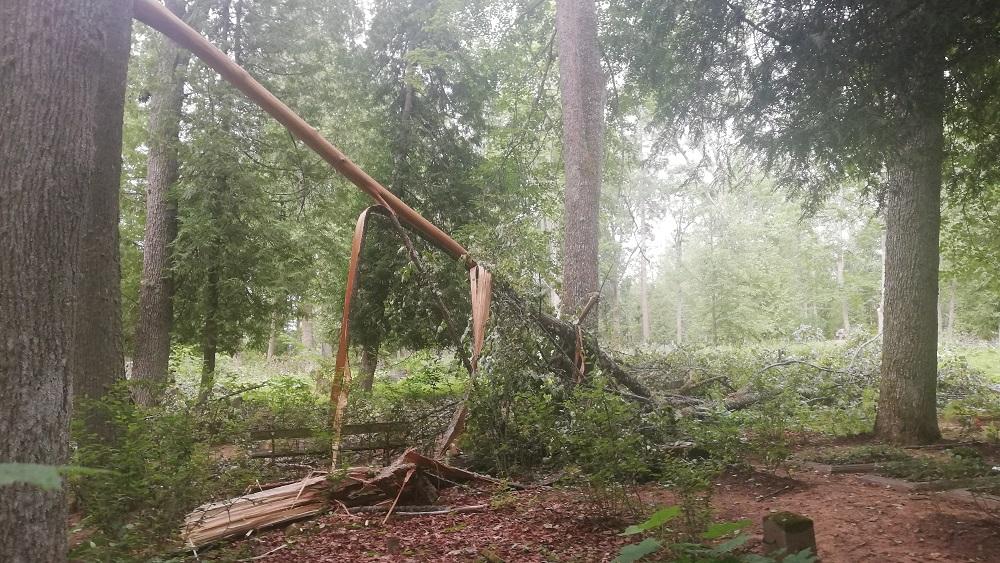 Gulbenes novadā turpina apzināt vētras radītos zaudējumus