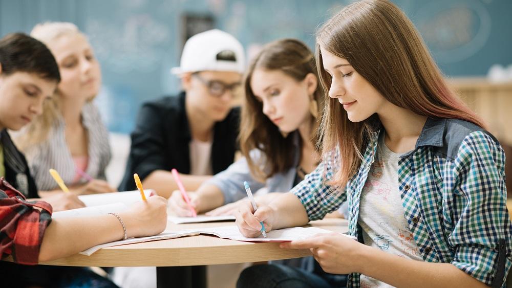 Augstskolas sāk klātienē pieņemt pieteikumus studijām