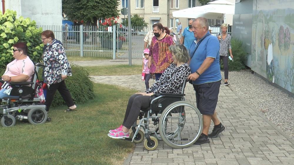Jaunā asistentu pakalpojumu saņemšana invalīdiem sagādā vilšanos