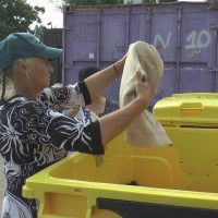 Tekstila atkritumi nav saplēstas un netīras drēbes