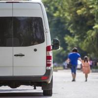 Par aizdomīgiem transportlīdzekļiem uzreiz jāziņo policijai