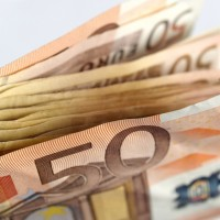 Uzturlīdzekļu nemaksātāji valstij parādā gandrīz pusmiljardu eiro