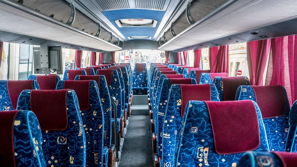 Sabiedriskā transporta nozarē trūkst autovadītāju; sekas izjutīs pasažieri