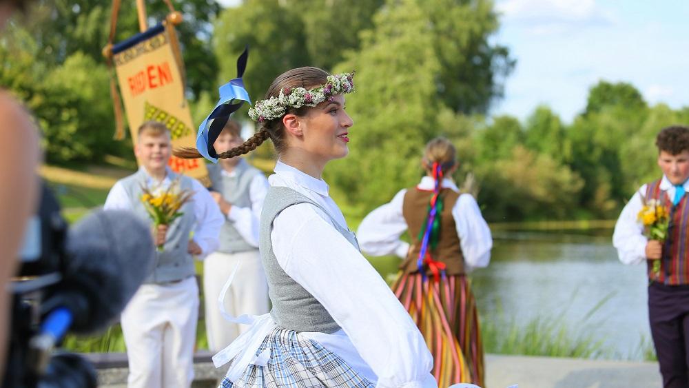 Sabiedrībai nav skaidrs, kur un kā notiek Skolu jaunatnes dziesmu un deju svētki