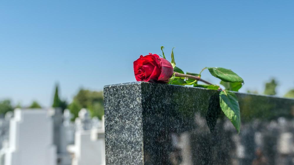 Vidzemē bieži ziņo par izpostītiem kapiem