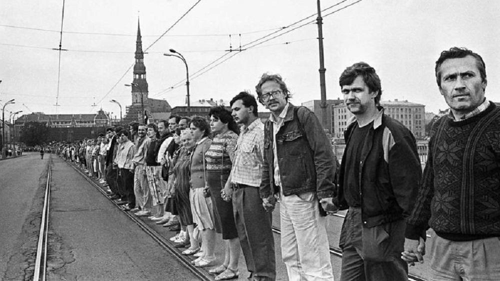 Dainis Īvāns gatavs vērsties policijā pret vakcinācijas pretinieku Baltijas ceļa kampaņu