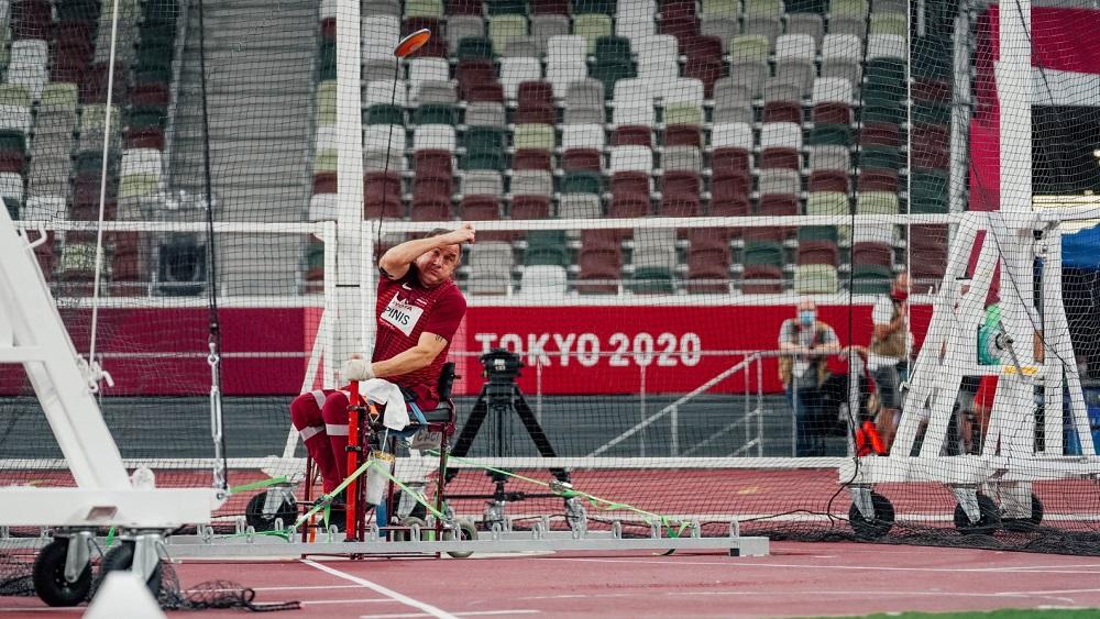 Latvijas sportisti jau ieguvuši trīs medaļas; paraolimpieši vēl cer uz medaļām