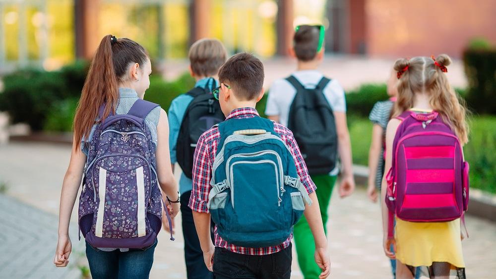 Skolēni, skolotāji un vecāki vairs nevēlas attālinātās mācības